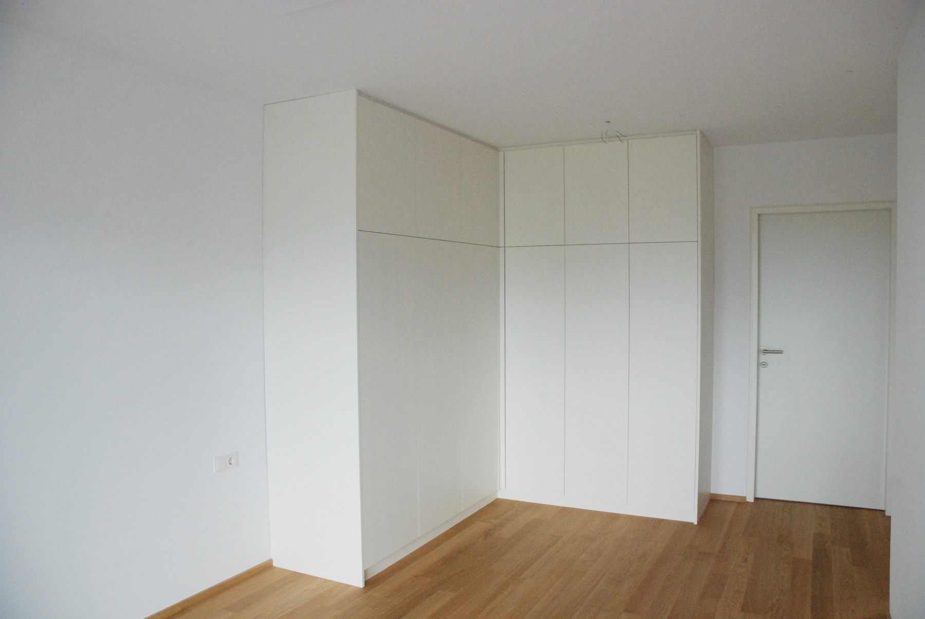 Schlafzimmer Eckschrank Weiss Lackiert Ohne Griffe - Eckschranke schlafzimmer
