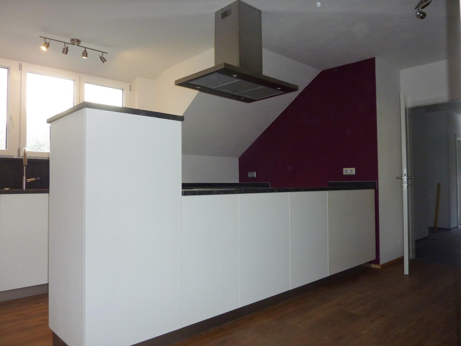 Küche mittelblock in multiplex weiss lackiert freistehener mittelblock weiss und anthrazit lackiert