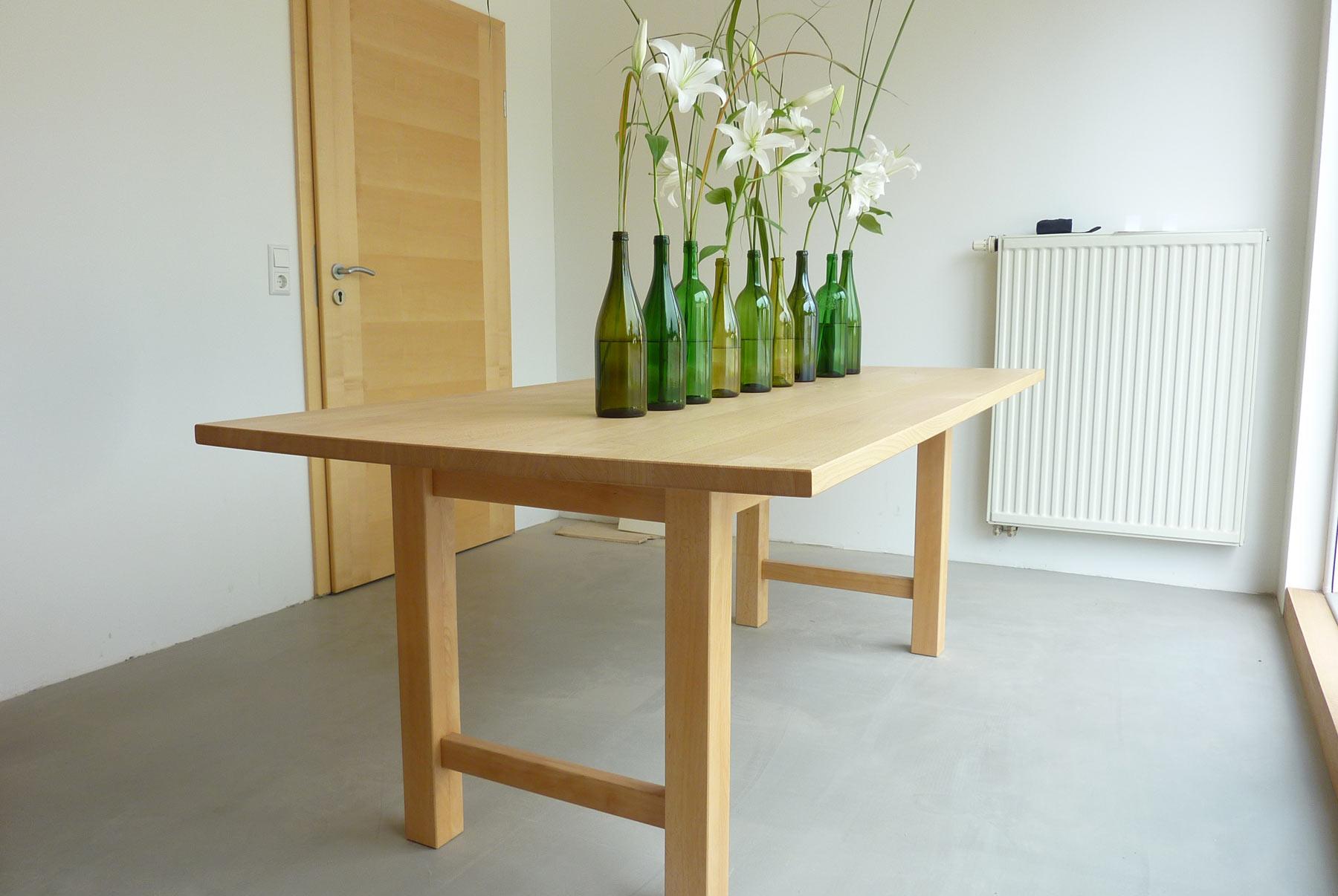 tische aus massivholz f r das esszimmer das b ro oder. Black Bedroom Furniture Sets. Home Design Ideas